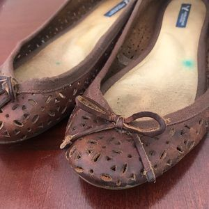 American Eagle leather cutout eyelet flats